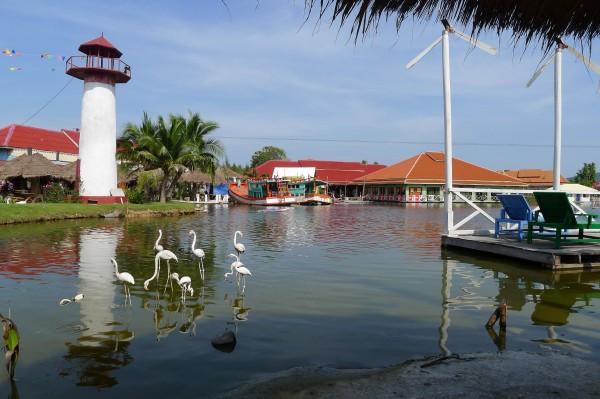 Sam Phan Nam Floating Market