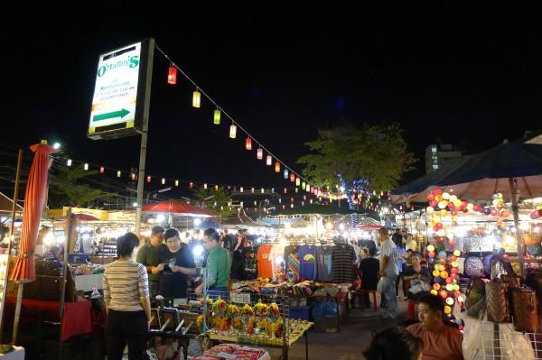 アヌサーン市場 チェンマイ